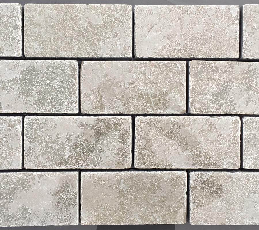 Grey Limestone Cobbles – 200x100x40mm – 10m2 pack
