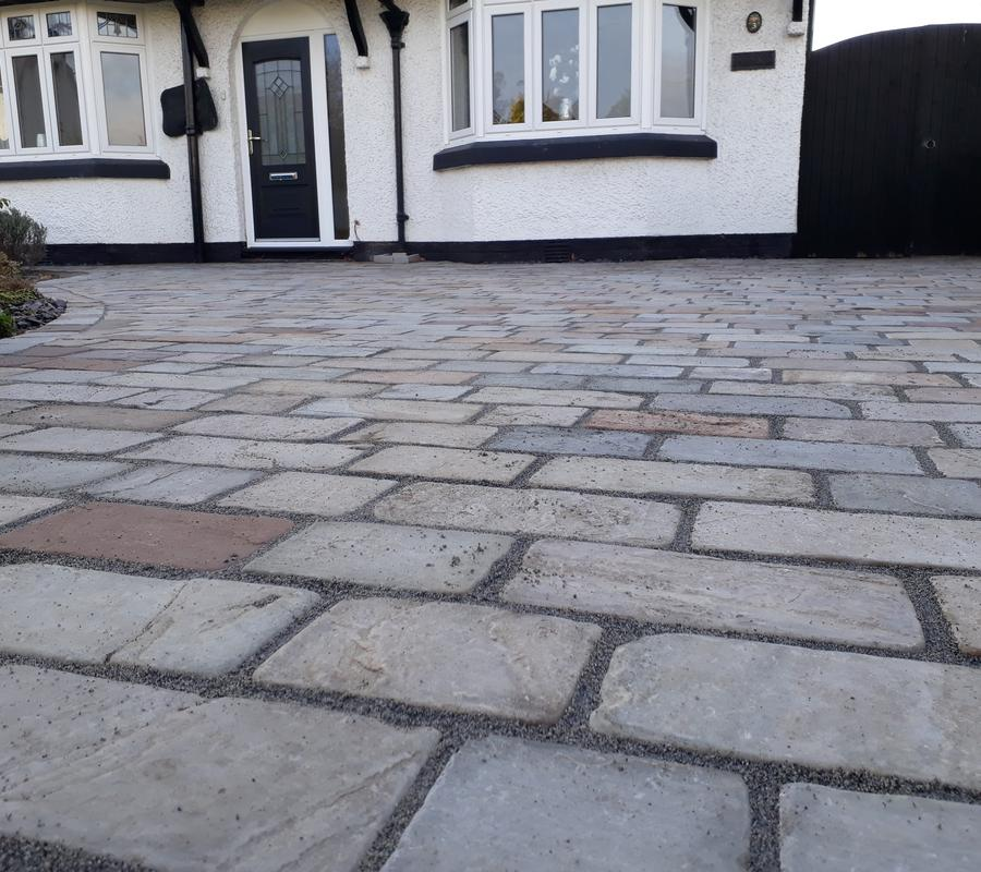 Raj Green Mix Block Paving 250x150x40mm – 10m2 Pack